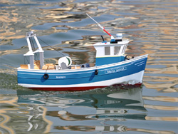 Rc spain fishing boat artr for Rc boats fishing